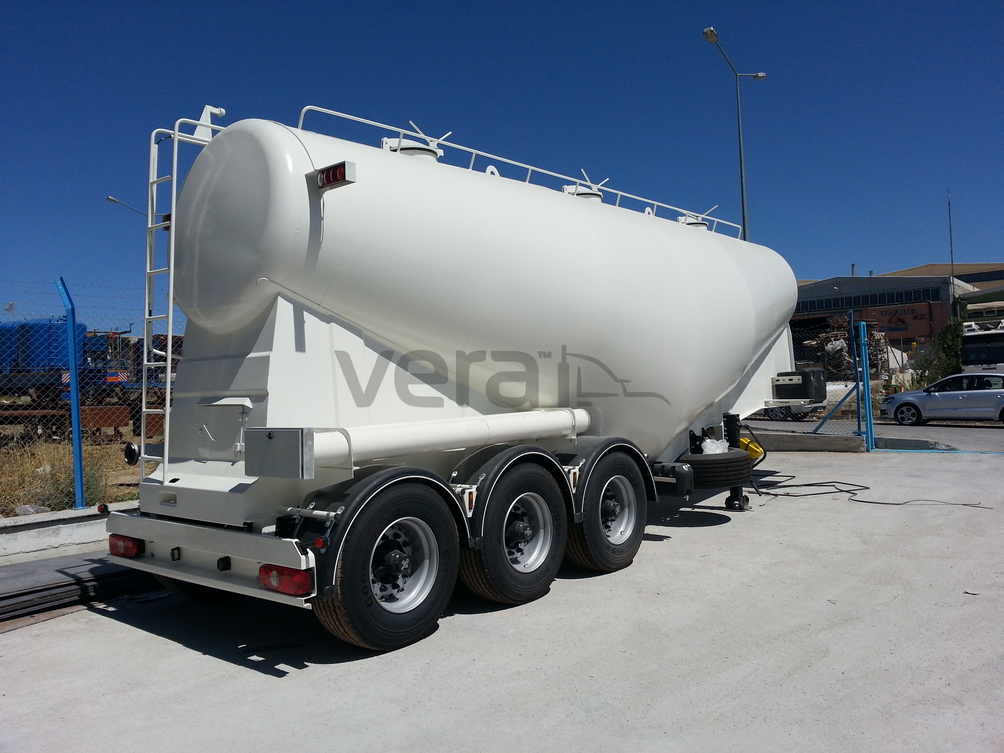 Cement Bulker Silo Trailer Tanker Trailers Lowbed Low
